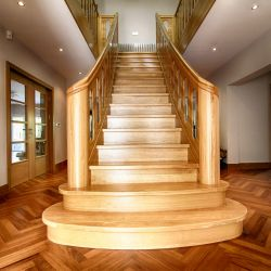 ST078. Solid Curved Grade A European Oak finished with lacquer